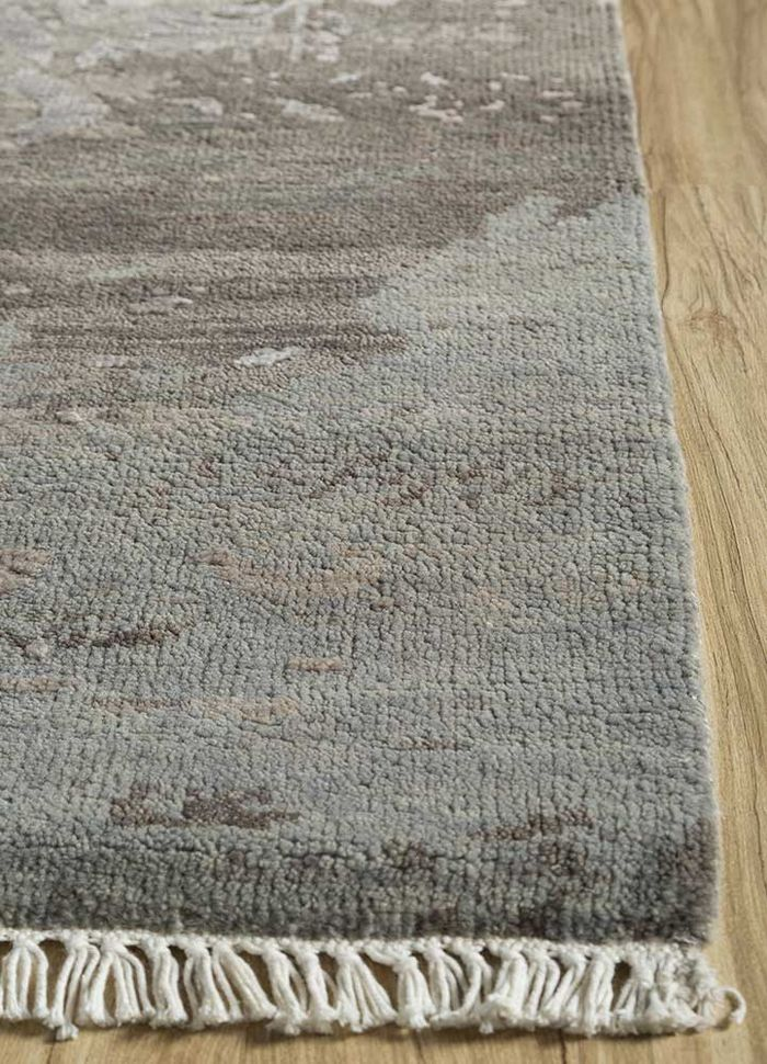 mezcla beige and brown wool and viscose hand knotted Rug - Corner