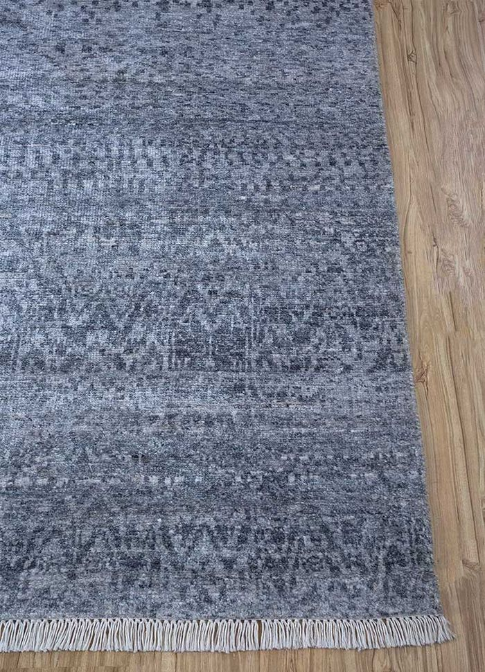 entropy blue wool and viscose hand knotted Rug - Corner