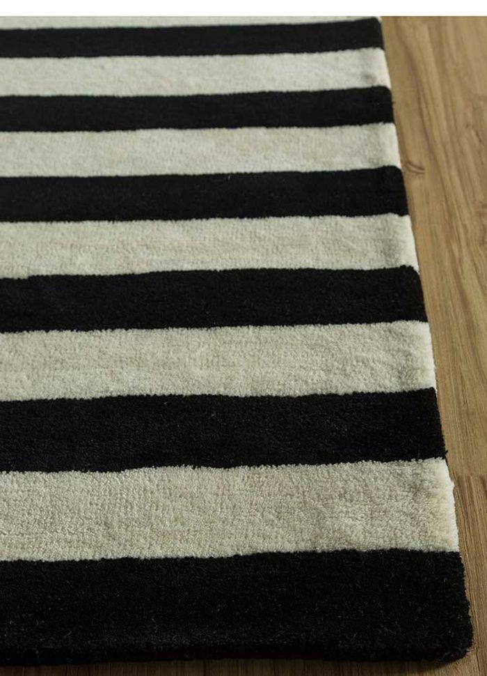 cascade grey and black wool hand tufted Rug - Corner