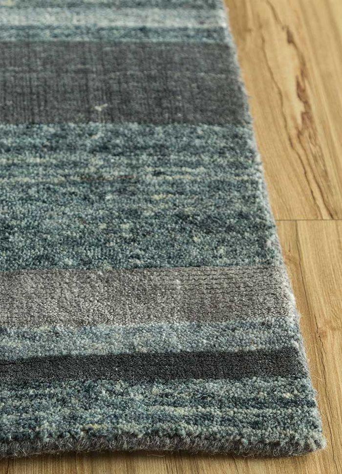 aprezo blue wool and bamboo silk hand loom Rug - Corner