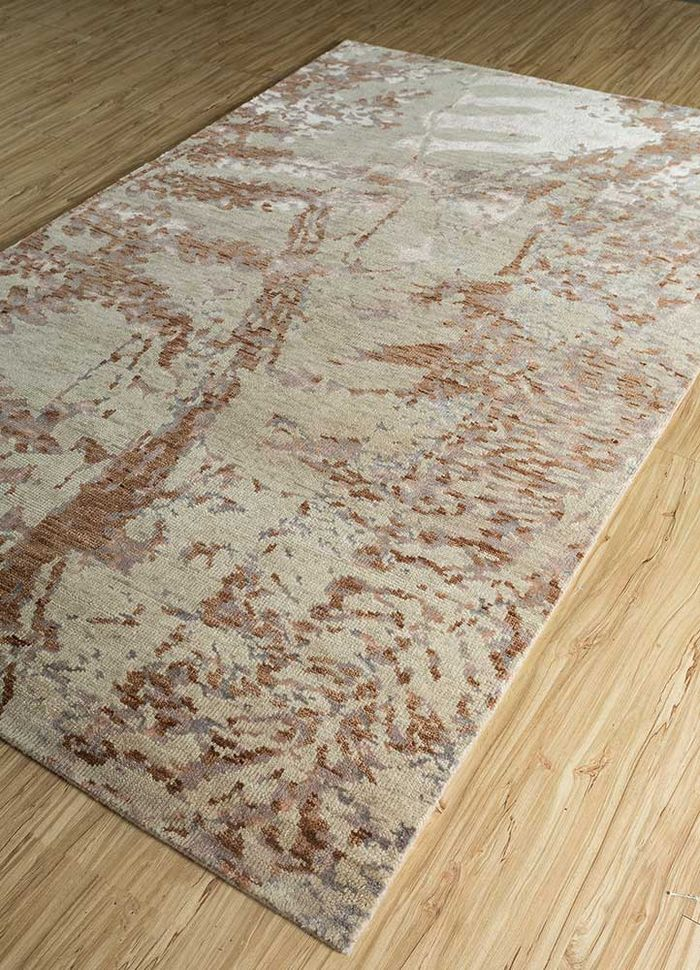 esme ivory wool and bamboo silk hand knotted Rug - FloorShot