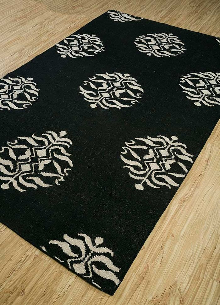 heritage grey and black wool flat weaves Rug - FloorShot