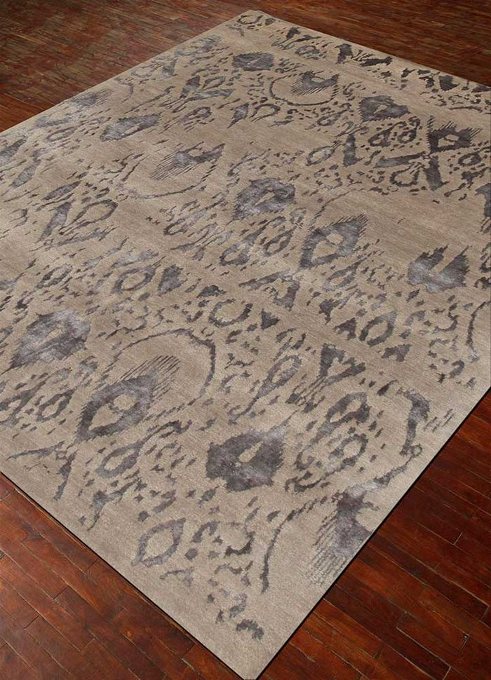 verna grey and black wool and bamboo silk hand knotted Rug - FloorShot