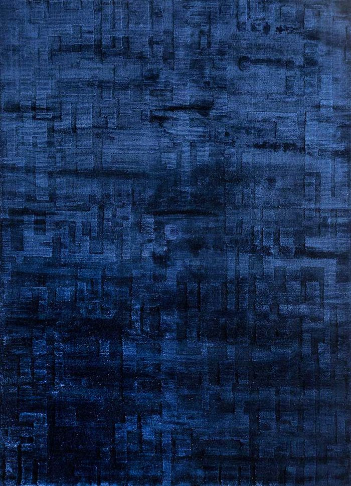 aprezo blue bamboo silk hand loom Rug - HeadShot