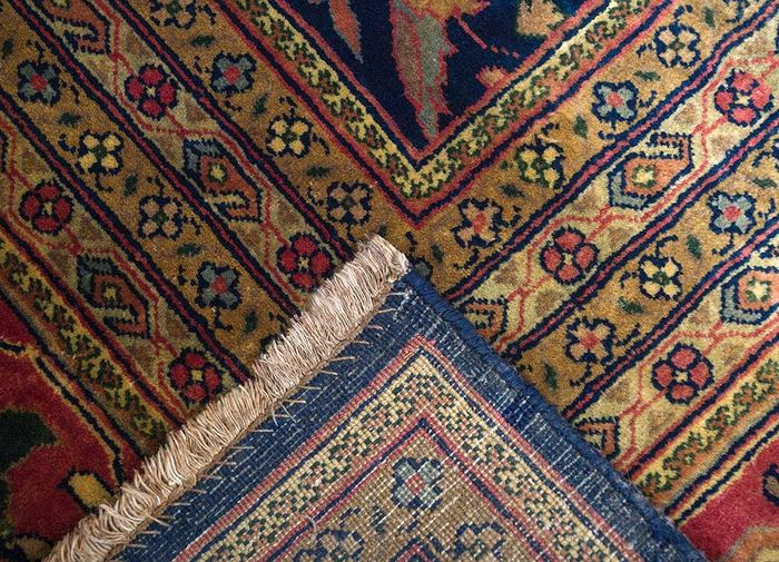 amani blue wool hand knotted Rug - Perspective