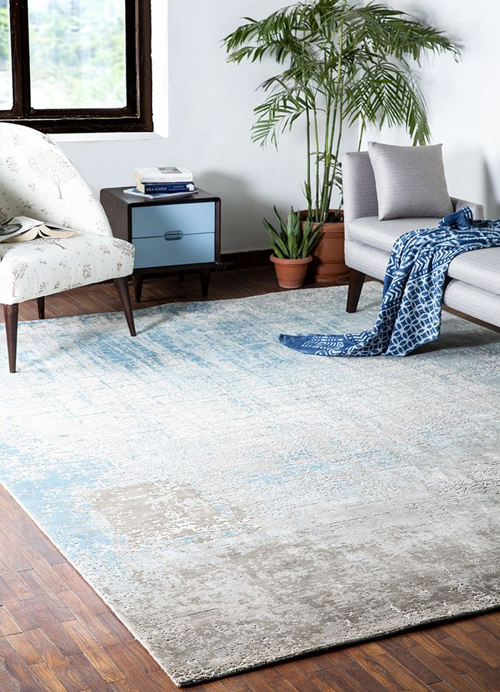 tattvam ivory wool and bamboo silk hand knotted Rug - RoomScene